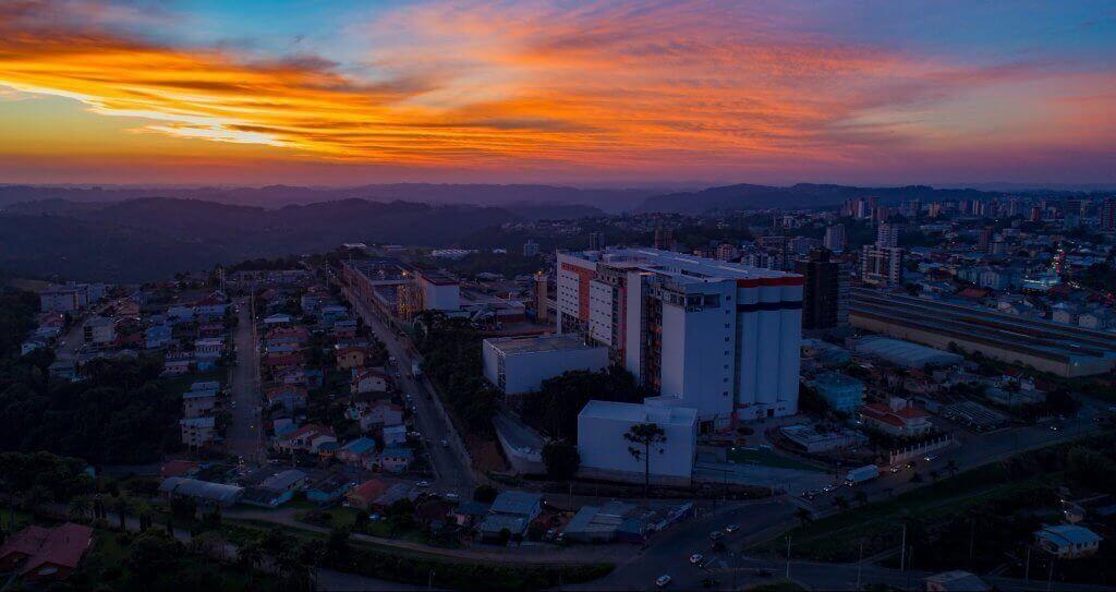 Vista aérea do Grande Moinho Isabela, na cidade de Bento Gonçalves, no Rio Grande do Sul, uma das grandes obras Ciser