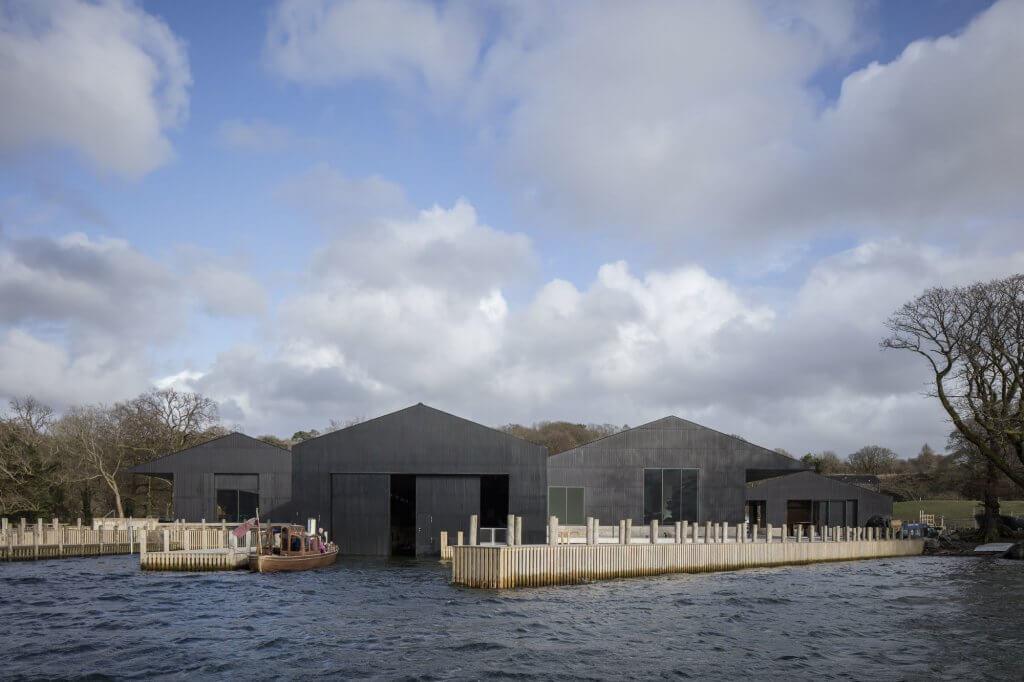 Imagem mostra museu de barco
