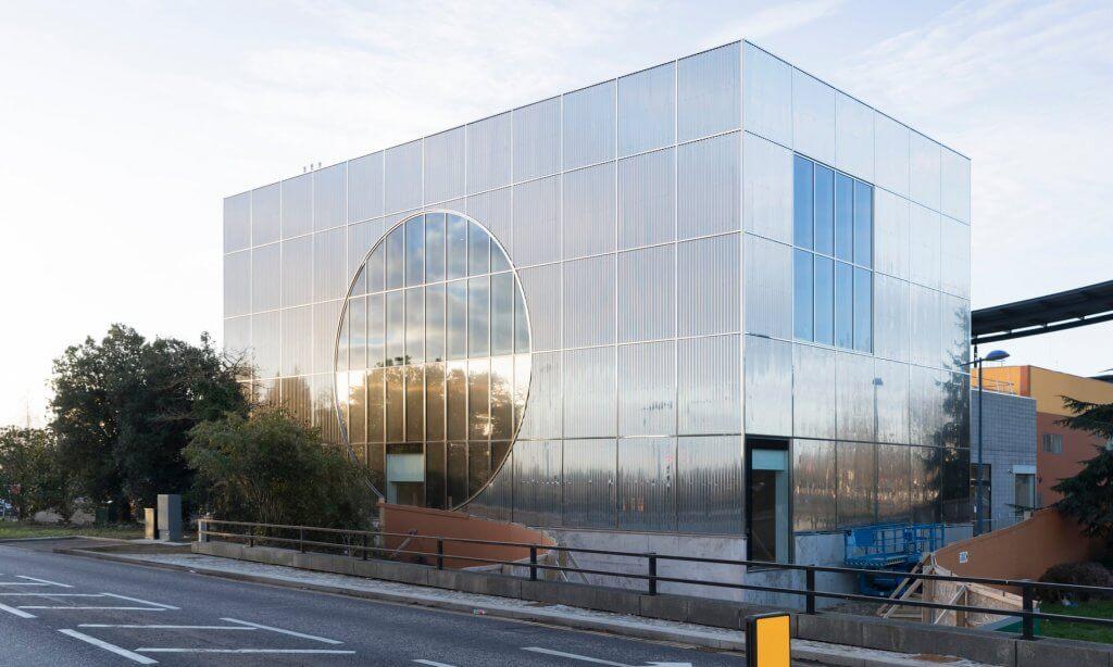 Galeria MK, por 6a Architects